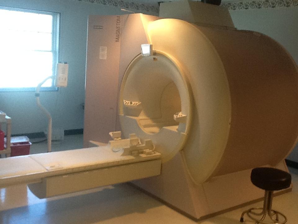 symphony 1.5T Siemens MRI